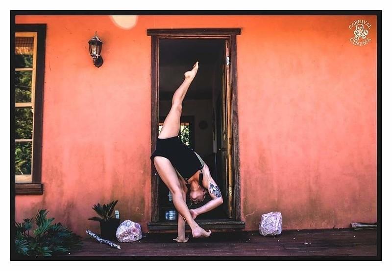 Handbalance and Acrobatics Masterclass at Unit 15