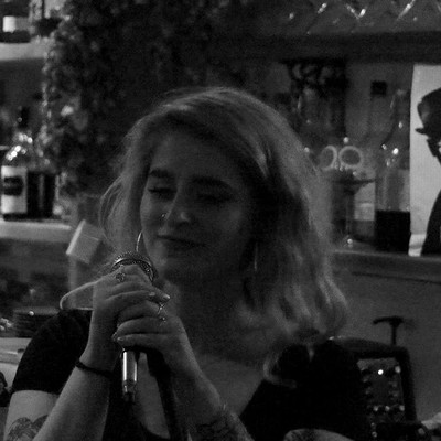 Chloe et Al  at Grounded Horfield  in Bristol