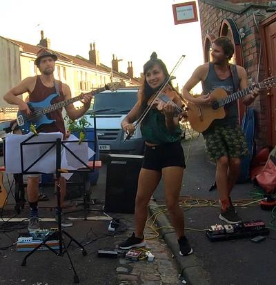 Razzomo Trio live at No.1 Harbourside in Bristol