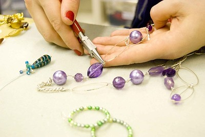 Beadilicious Jewellery Making Workshop at The Cloak & Dagger in Bristol