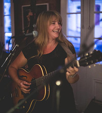 Double Bill! Leonie Evans and Guy Calhoun Live at Cloak and Dagger, The in Bristol