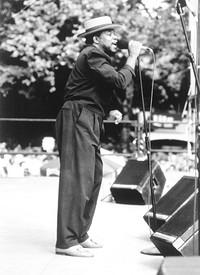 Kanda Bongo Man at Fiddlers in Bristol
